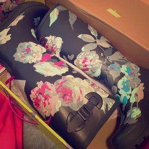 Wmn's Joules Wellington chic floral Rain boots sz8